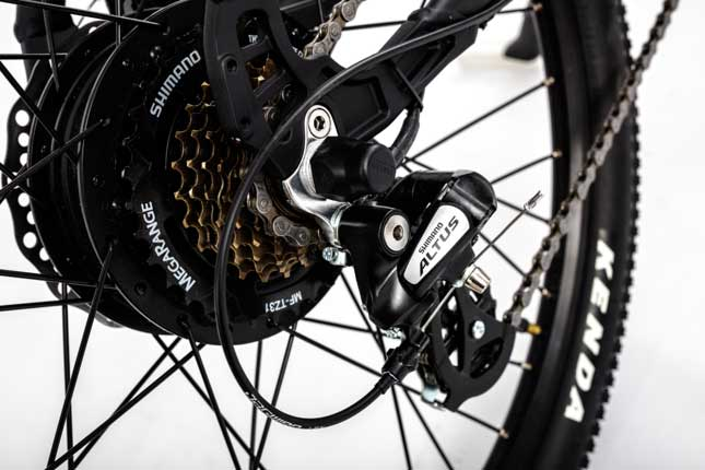 Shimano Altus Deraileur as fitted to the Roodof Striker eMTB